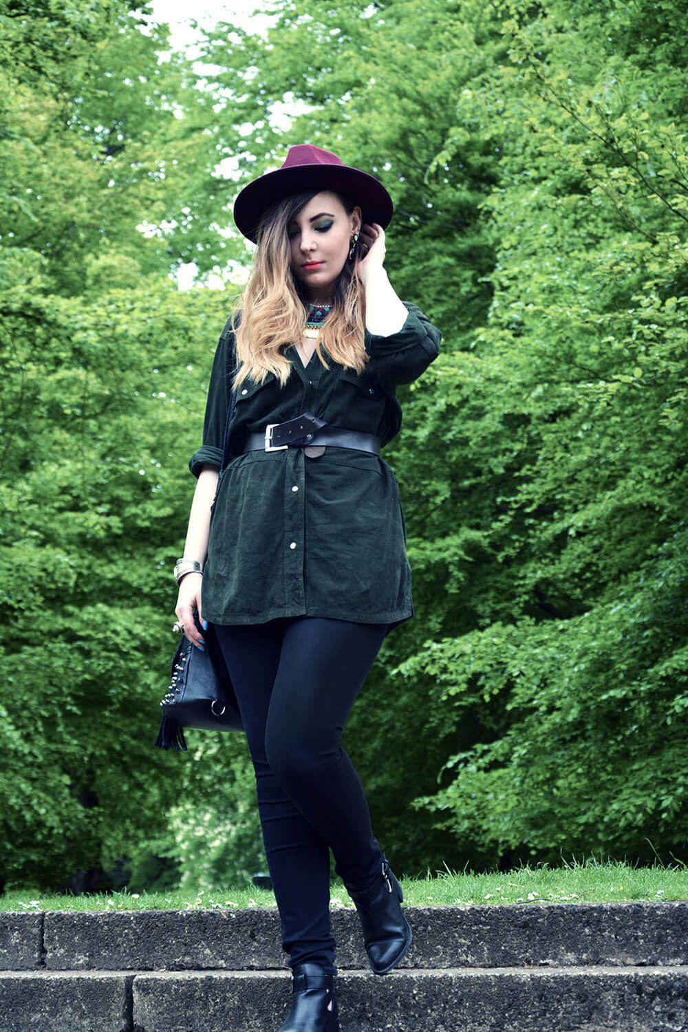 Edita-in-Vintage-shirt,-Boohoo-hat,-HM-jeans-and-Clarks-shoes-2