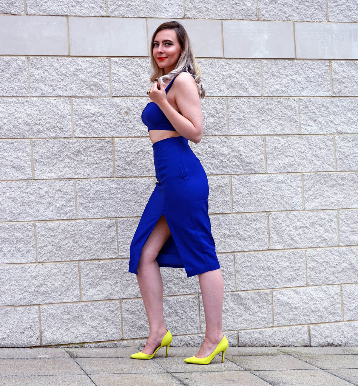 Fashion blogger in Tobi tight dress